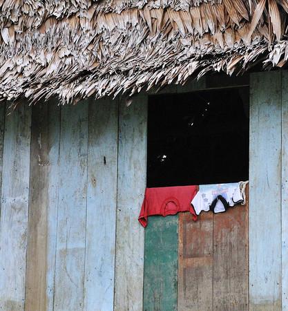 Clothes, Libertad, Rio Ucayali, Peru