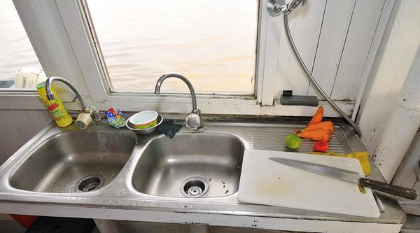 La Amatista kitchen tour, Gallito, The Amazon River, Peru
