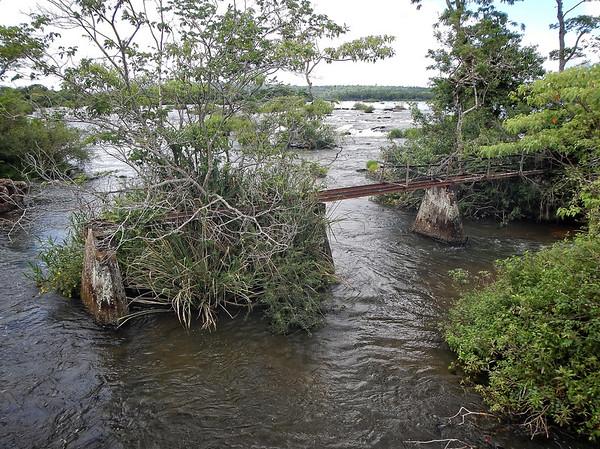 Iguazú Falls - old walkway