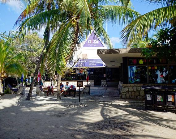 Akumal Beach - dive shop