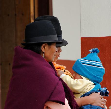 Ecuadorian scene on the way to the restaurant, Ingapirca