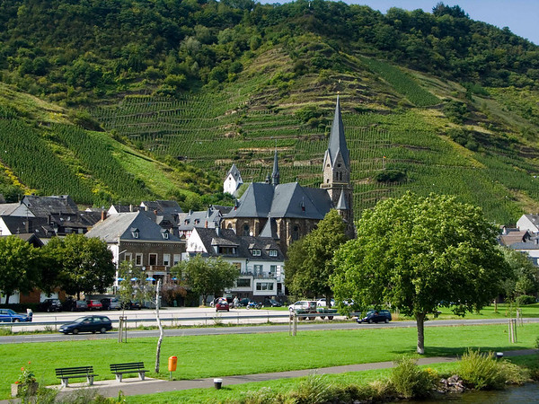 town between Zell and Cochem
