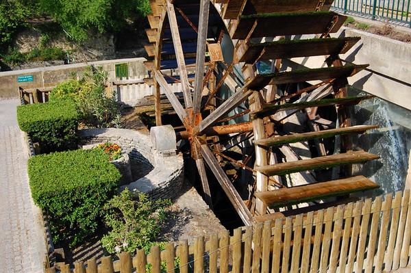 Mill wheel <br /> Fontaine de Vaucluse, France