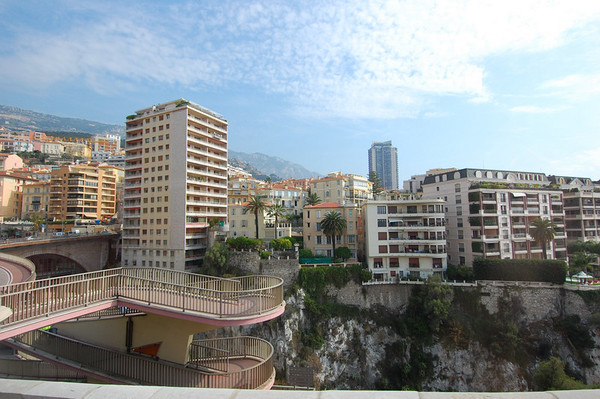 Entering Monaco, from the bus<br /> Monaco<br /> Nikkor 12-24mm f/4G ED-IF AF-S DX