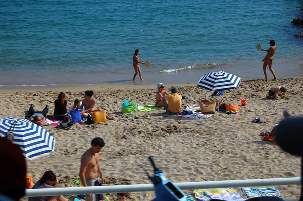 Beach scene, from the bus <br /> Cannes, France<br /> Nikkor 70-300mm f/4.5-5.6G IF-ED AF-S VR Zoom