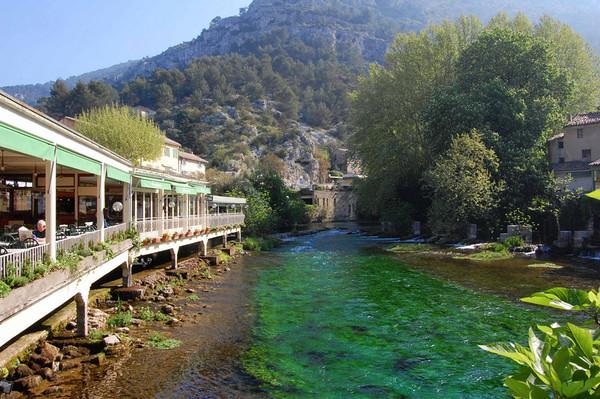 Restaurant and river <br /> Fontaine de Vaucluse, France