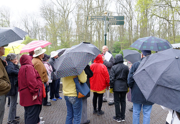 Keukenhof Gardens; Franz gives the group their marching instructions for the morning