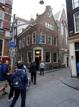 Amsterdam; building from 1610, note the hoisting beam to get things to the ujpper floors