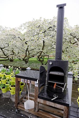 Keukenhof Gardens; small pizza oven