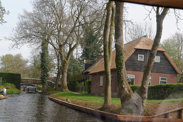 Giethoorn; classic thatched roof house