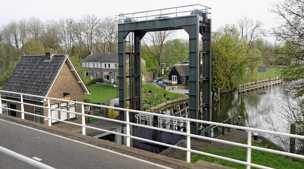 Kampen area; canal lock