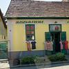Pilisvörösvár (north of Budapest) - Hasznaltruha (2nd hand clothing)