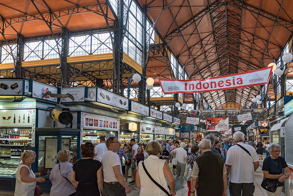 Budapest - Great Market Hall, promoting Indonesian items