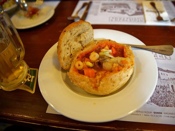 Szentendre - lunch at the Golden Dragon