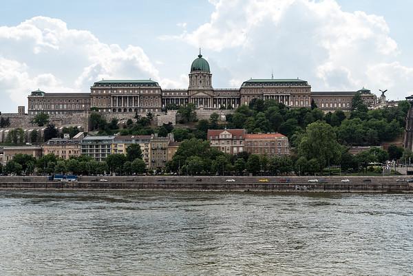 Budapest - walk back to our hotel, Chain Bridge, Buda Castle