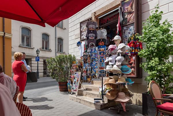 Budapest - souvenier shop next to the bistro