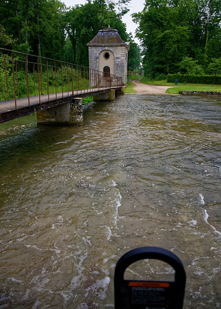 Vaux-le-Vicomte - crossing the river that feeds the pool