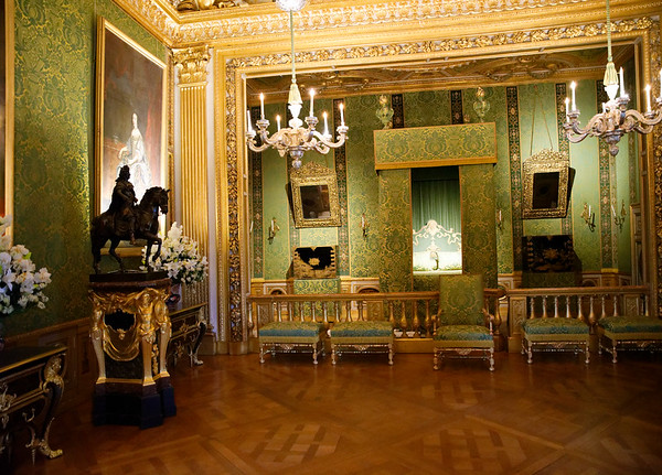 Vaux-le-Vicomte - King's Room, statue of Louis XIV