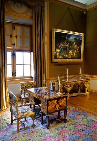 Vaux-le-Vicomte - mid-1600s desk and furniture