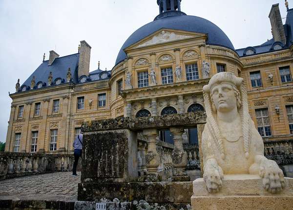 Vaux-le-Vico- anthropomorphic lion
