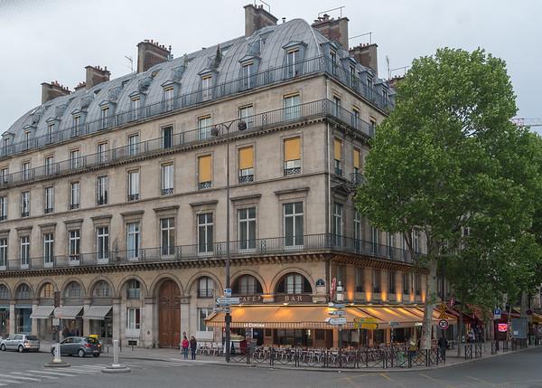 Paris - street scene along the Quai François Mitterrand