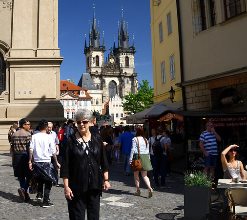 DAY2: Suzanne, old town square, Prague - old city hall in background
