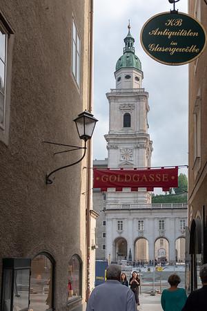 Salzburg - Goldgasse (Gold Alley), hotel Am Dam site