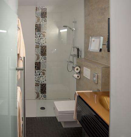 Leaving Salzburg, Hotel am Dom bath with a sqare theme