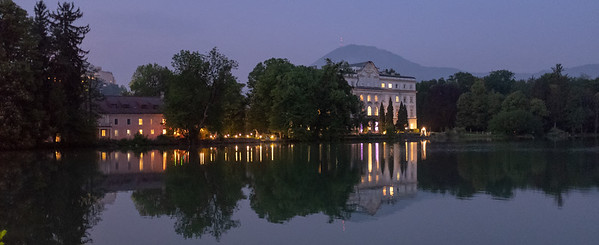 Schloss Leopoldskron by night