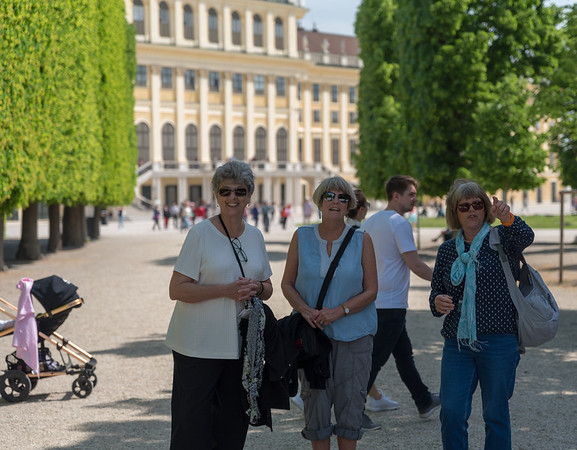 Schönbrunn Palace - Suzanne, Amy, Carol (our guide)