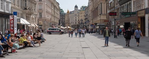 Vienna - pedestrian-friendly shopping