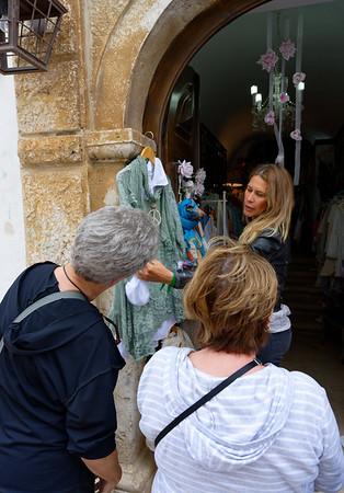 Obidos Portugal - Suzanne S and Sherrie shop