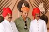 Girish needs a bit of help in the turban department, Diwan-I-Khas, City Palace, Jaipur
