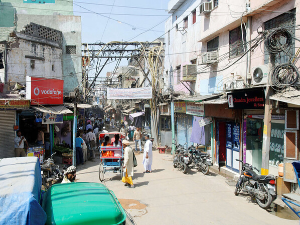 Narrow street, Old Delhi