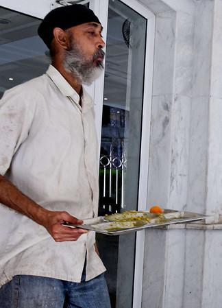 Empty tray, Bangla Sahib, Delhi