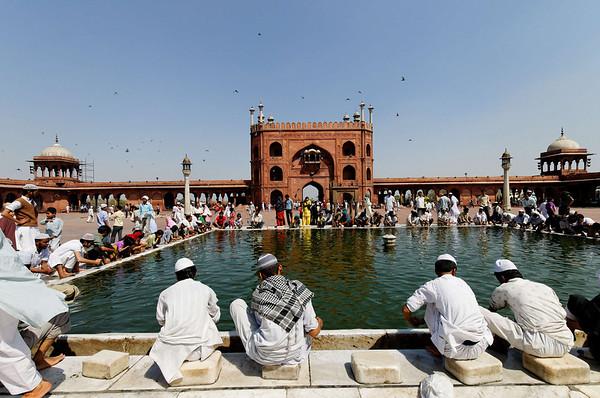 Cleansing, Jama Masjid Mosque, Delhi