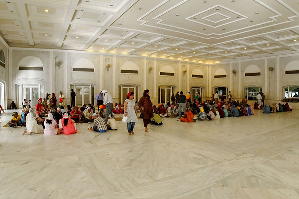 Hall where meals are served, honoring the practice of langar (feeding all who come), Bangla Sahib, Delhi