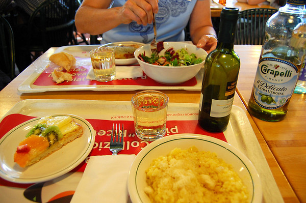 Autogrill meal, if only American fast food could come close - with wine!