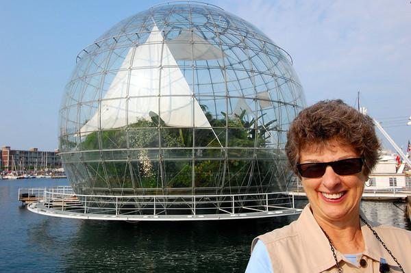 Suzanne & rather large terrarium Genova, Italy