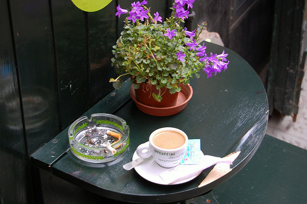 Cafe scene - In 2005 Italy banned smoking in ENCLOSED public spaces.  Sestri Levante, Italy