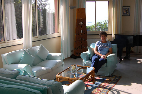 Suzanne, waiting area at the hotel Sestri Levante, Italy