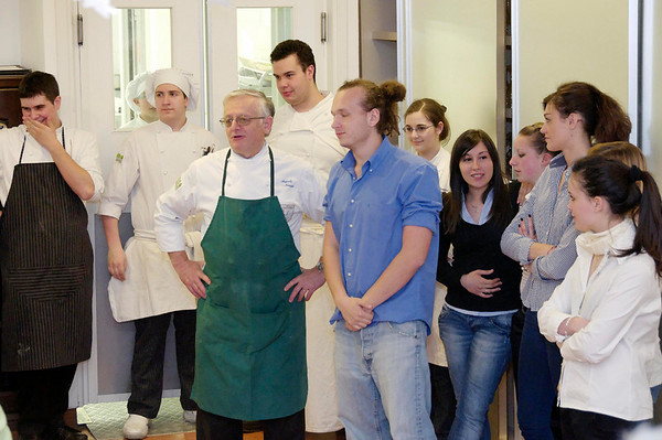 Chef and the students take a bow.