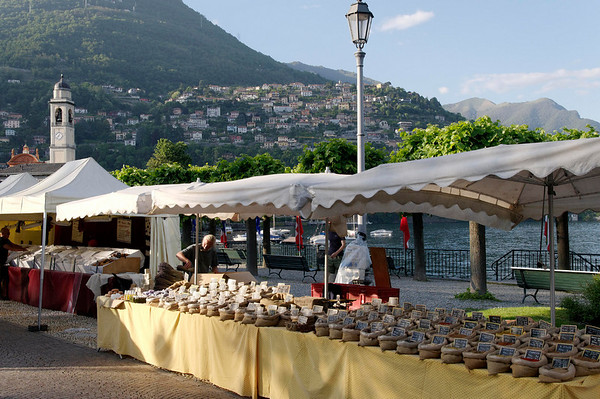 Back at Cernobbio, the market was set up - spices sold here