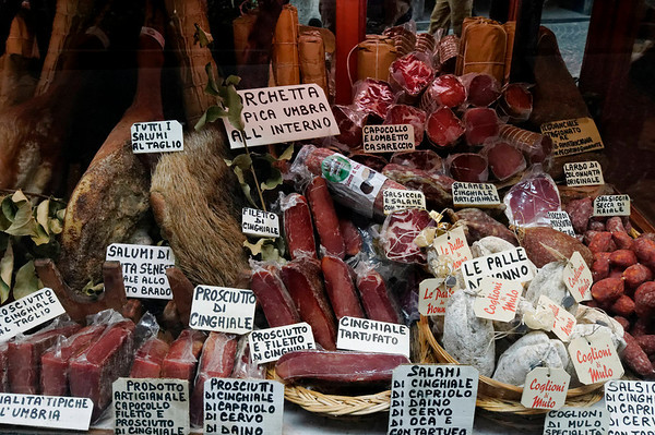the area is known for their meats - cinghiale (wild boar), tartufo (truffle), and Mulo!