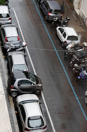 Rome, Italy; why Smart cars are popular