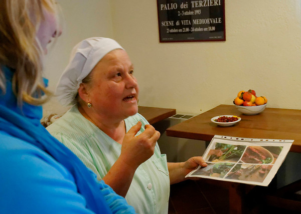 Nona, the chef, explains all in great detail with very good English_DSC8606