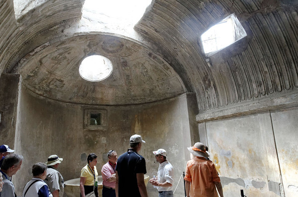 Steam area, grooved ceiling let water condense and run down sides, Pompeii