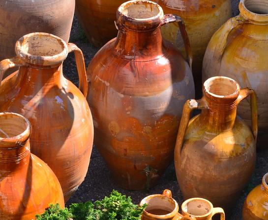 Alberobello, clay pots in the sun
