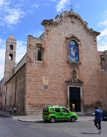 Bitonto:  smaller chapel as oposed to the large Romanesque Cathedral here