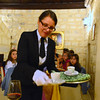 Le Querce di Mamre Agriturismo:  All the employees were outfitted in black with white gloves